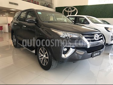 Toyota SW4 SRX 7 Pas Aut nuevo color Gris Oscuro precio $3.783.300