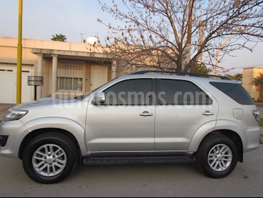 Toyota SW4 3.0 Cuero Aut usado (2011) color Gris Plata  precio $1.507.000