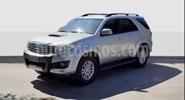 Toyota SW4 SRV 5 TDi Cuero Aut  usado (2013) color Gris Claro precio $1.690.000