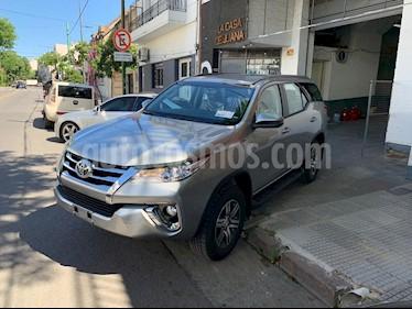 Toyota SW4 SR 5 Pas Aut usado (2019) color Gris precio $2.590.000