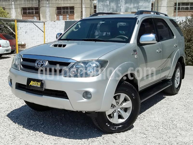 foto Toyota SW4 SRV Cuero usado (2008) color Gris Claro precio $1.050.000