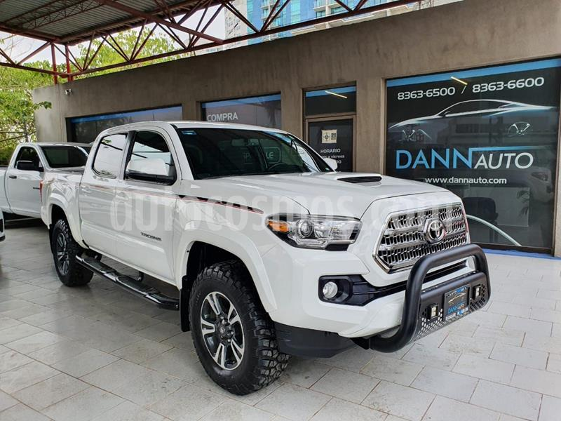 Toyota Tacoma TRD Sport 4x4 usado (2017) color Blanco precio $569,000