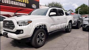 Toyota Tacoma TRD Sport 4x4 usado (2017) color Blanco precio $520,000