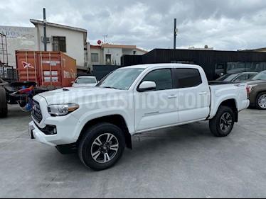 Toyota Tacoma TRD Sport  usado (2019) color Blanco precio $560,800