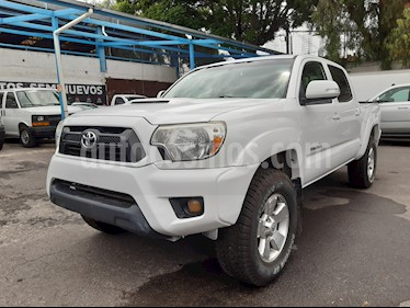 Toyota Tacoma TRD Sport usado (2015) color Blanco precio $322,000
