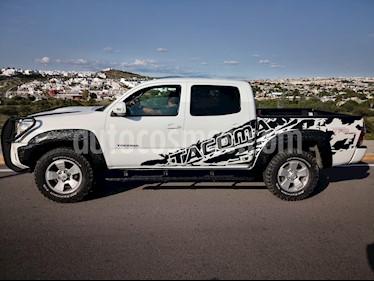 Toyota Tacoma Edicion Especial 4x4  usado (2013) color Blanco precio $305,000