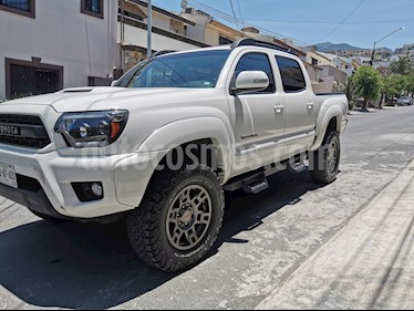 Toyota Tacoma TRD Sport 4x4 usado (2013) color Blanco precio $352,000