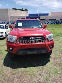 Foto Toyota Tacoma TRD Sport 4x4 usado (2015) color Rojo precio $370,000