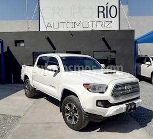 Toyota Tacoma TRD Sport 4x4 usado (2017) color Blanco precio $545,000