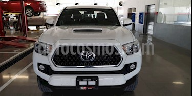 Foto venta Auto Seminuevo Toyota Tacoma TRD Sport (2019) color Blanco precio $570,000