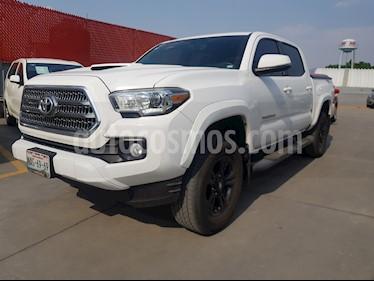 Foto venta Auto usado Toyota Tacoma TRD Sport (2017) color Blanco precio $499,000