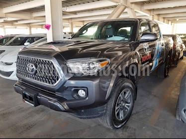 Foto venta Auto usado Toyota Tacoma TRD Sport  (2019) color Gris precio $591,000
