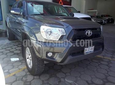 Foto venta Auto Seminuevo Toyota Tacoma TRD Sport (2015) color Gris precio $365,000