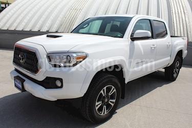 Foto Toyota Tacoma TRD Sport usado (2018) color Blanco precio $595,000