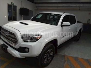 Foto venta Auto Seminuevo Toyota Tacoma TRD Sport  (2017) color Blanco precio $559,000