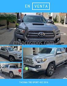 Toyota Tacoma TRD Sport usado (2016) color Plata Metalizado precio $485,000