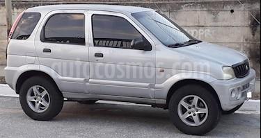 Foto venta carro usado Toyota Terios Cool A-A (2004) color Plata precio u$s2.800