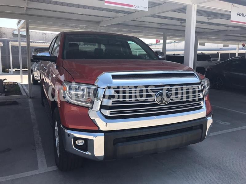 Toyota Tundra 5.7L Limited 4x4 usado (2018) color Rojo precio $785,000