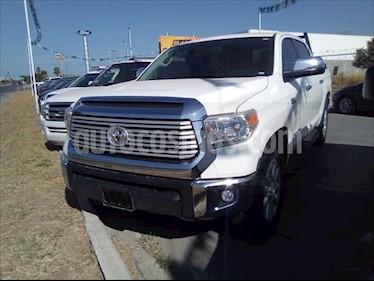 Toyota Tundra 5.7L Limited 4x4 usado (2017) color Blanco precio $550,000