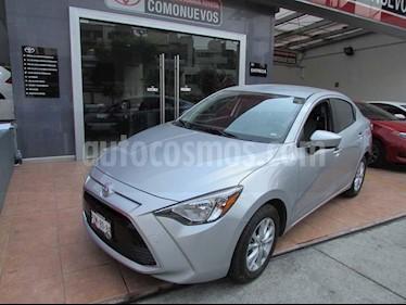 Foto venta Auto usado Toyota Yaris R LE Aut (2017) color Plata precio $230,000