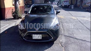 Foto venta Auto usado Toyota Yaris R LE (2016) color Gris Metalico precio $174,000