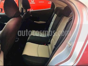 Foto venta Auto usado Toyota Yaris R LE (2017) color Plata precio $219,000