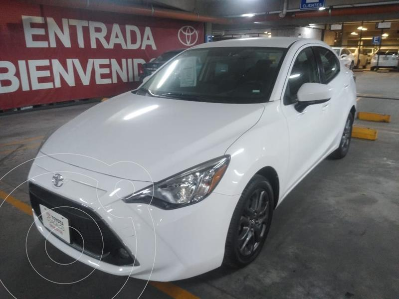 Toyota Yaris R XLE Aut usado (2019) color Blanco precio $249,000