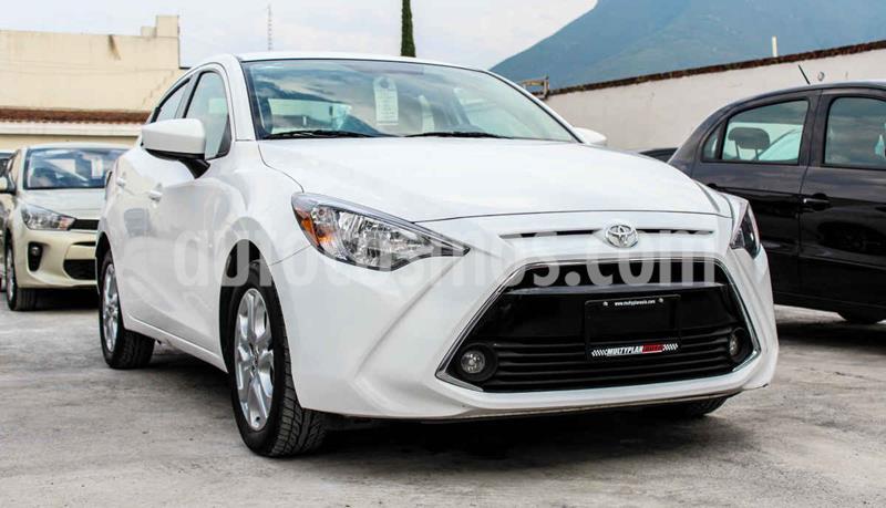 Toyota Yaris R XLE Aut usado (2018) color Blanco precio $218,990
