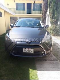 Toyota Yaris R XLE Aut usado (2017) color Gris precio $2,390,000