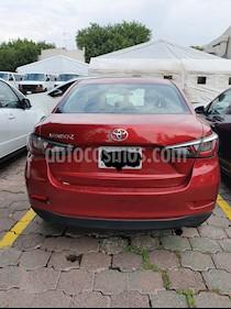 Toyota Yaris R XLE Aut usado (2016) color Rojo precio $173,000