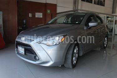 foto Toyota Yaris R XLE Aut usado (2016) color Plata precio $199,000