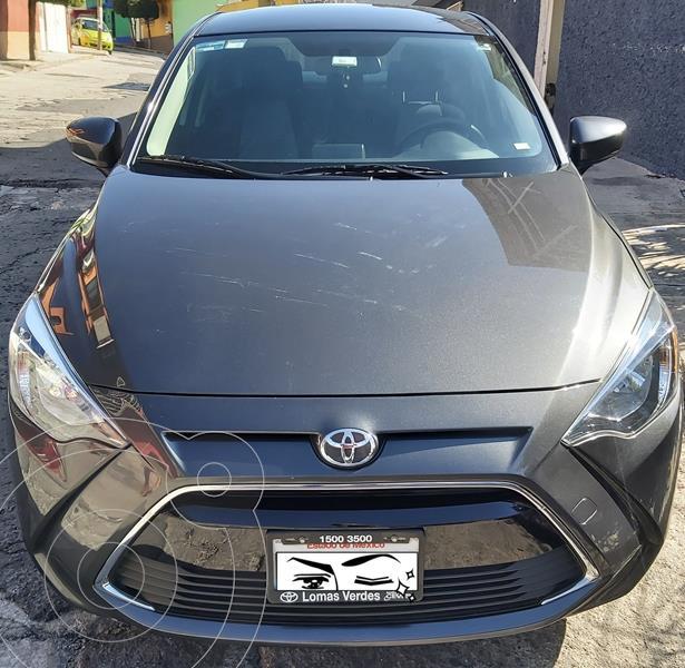 Toyota Yaris R LE Aut usado (2016) color Gris precio $180,000