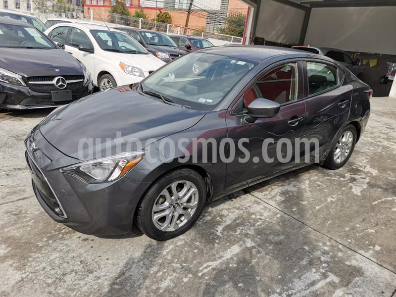 Toyota Yaris R XLE Aut usado (2016) color Gris Metalico precio $190,000