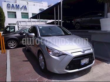 Foto venta Auto usado Toyota Yaris R R XLE (2018) color Plata precio $246,500