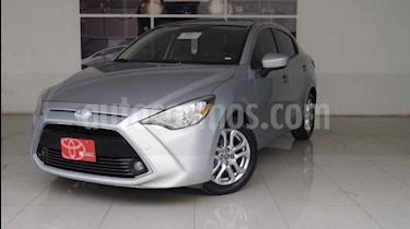 Foto venta Auto usado Toyota Yaris R XLE Aut (2018) color Plata precio $250,000