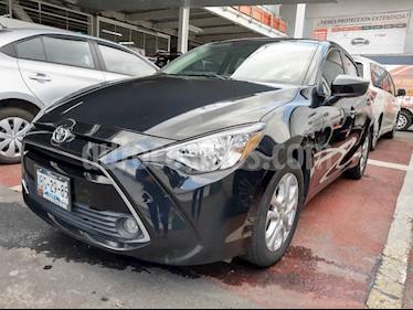 foto Toyota Yaris R XLE Aut usado (2018) color Negro precio $240,000