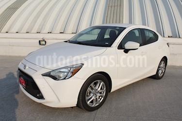 Foto venta Auto Seminuevo Toyota Yaris R XLE Aut (2016) color Blanco precio $229,000
