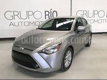 Foto venta Auto usado Toyota Yaris R XLE Aut (2016) color Plata precio $203,000