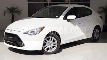 Foto venta Auto usado Toyota Yaris R XLE Aut (2016) color Blanco precio $215,000