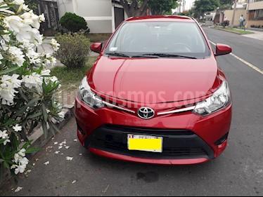 Toyota Yaris Sedan 1.3 GLi Aut usado (2014) color Rojo Metalizado precio u$s10,800