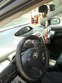Toyota Yaris Sedan 1.3 GLi usado (2011) color Gris precio u$s7,500