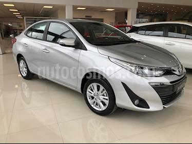 Toyota Yaris Sedan 1.5 XLS nuevo color Gris Plata  precio $817.000