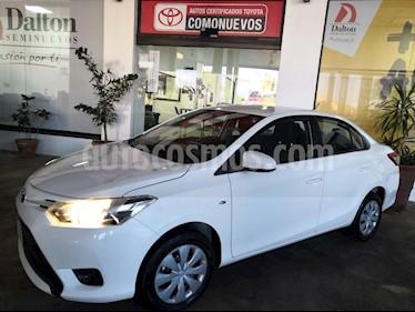 Foto venta Auto Seminuevo Toyota Yaris Sedan Core Aut (2017) color Blanco precio $205,000