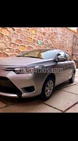 Foto Toyota Yaris Sedan Core Aut usado (2017) color Plata precio $189,000