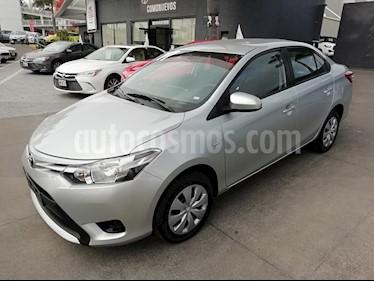 Foto venta Auto Seminuevo Toyota Yaris Sedan Core Aut (2017) color Plata precio $197,000