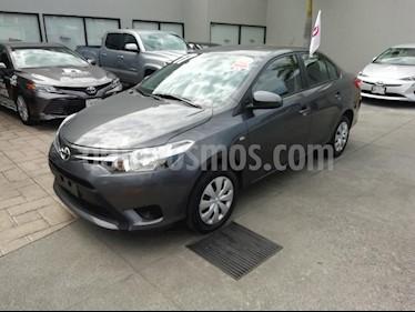 Foto venta Auto Seminuevo Toyota Yaris Sedan Core Aut (2017) color Gris precio $197,000
