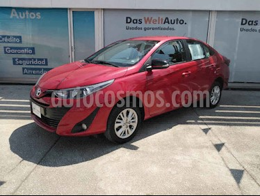 Toyota Yaris Sedan S Aut usado (2019) color Rojo precio $242,000
