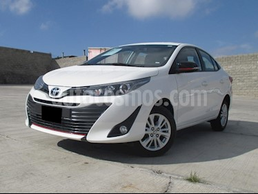 Toyota Yaris Sedan S usado (2019) color Blanco precio $240,000