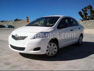 Foto Toyota Yaris Sedan Core Aut usado (2014) color Blanco precio $137,000