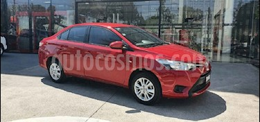 Toyota Yaris Sedan Core usado (2017) color Rojo precio $198,000